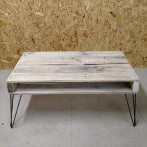 DIY Pallet Wood Coffee Table with Metal Hairpin Legs
