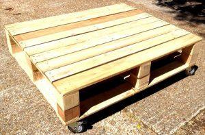 DIY Pallet Low Coffee Table On wheels