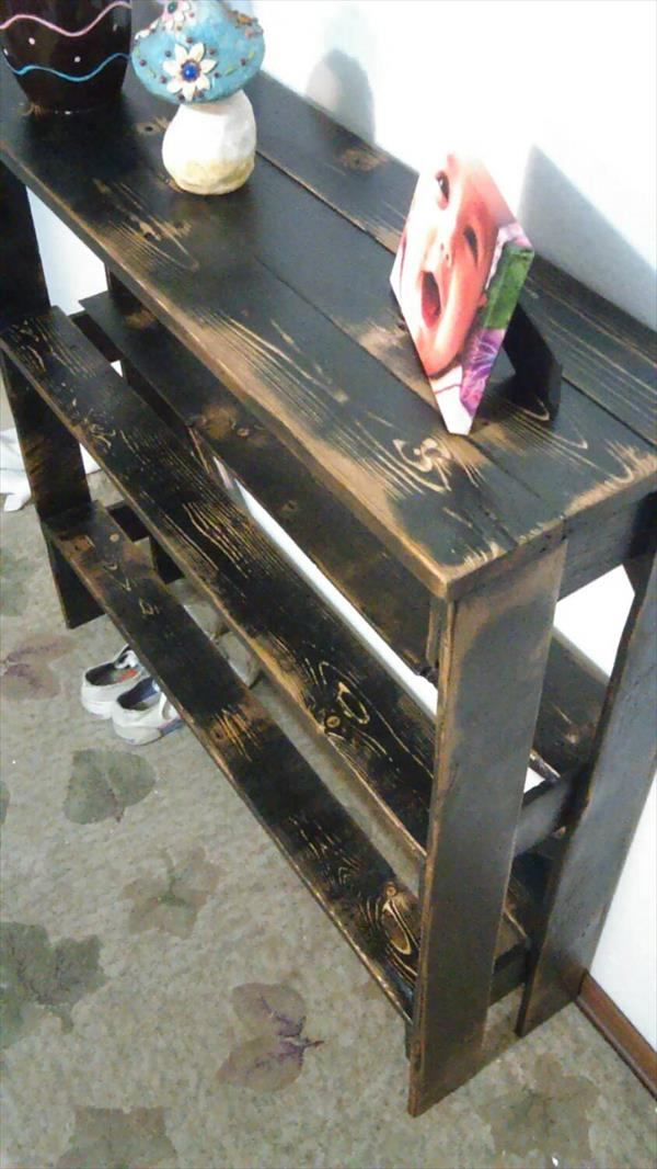 rustic yet sturdy pallet entryway table