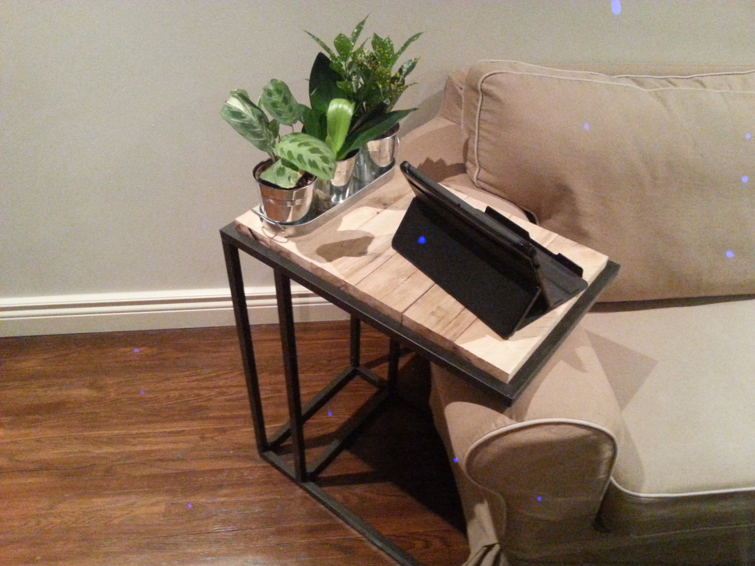 Recycled pallet laptop side table