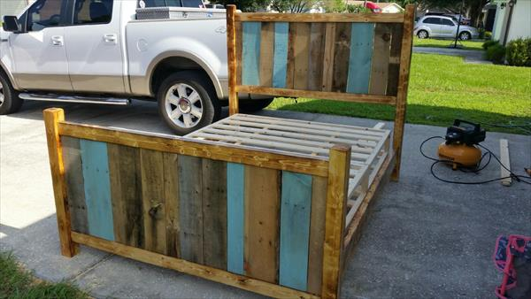 Recycled pallet twin bed