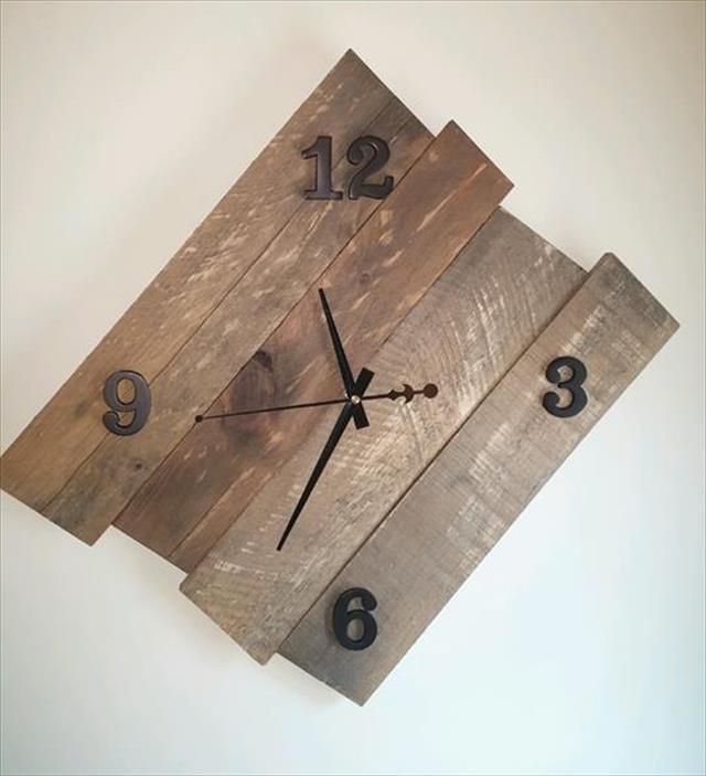 Wooden Pallet Wall Clock