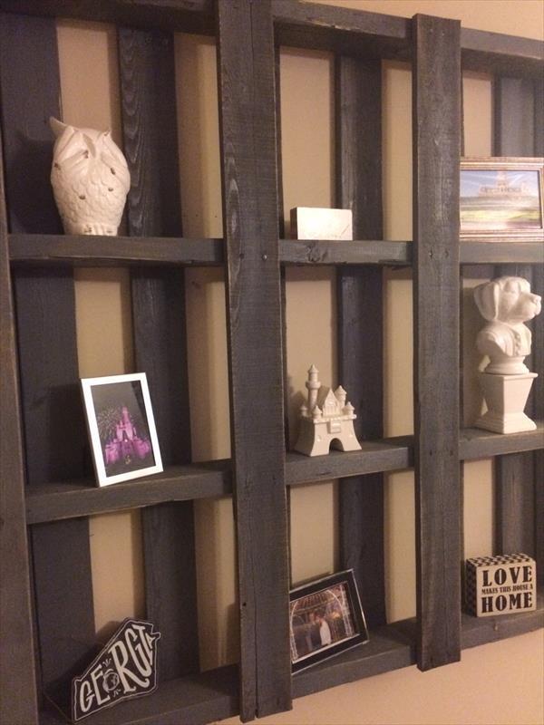 Regained pallet wall shelf
