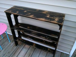 DIY Pallet Wood Entryway Table with Shelves