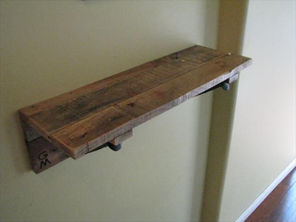 wooden pallet rustic decorative shelf
