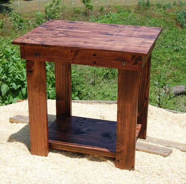 no-cost pallet side table