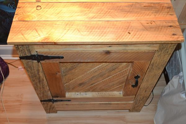 recycled pallet nightstand and side table