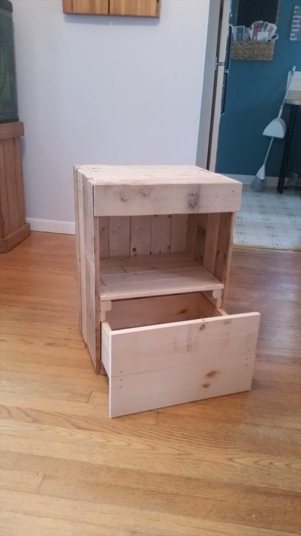wooden pallet end table or nightstand