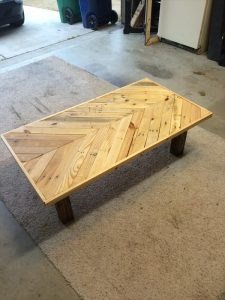 Chevron Pallet Coffee Table diy pallet coffee table with chevron pattern | pallet furniture plans
