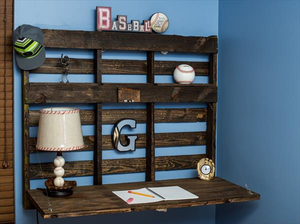DIY Pallet Wall Folding Desk | Pallet Furniture Plans