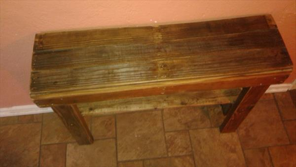 diy wooden pallet entryway or hallway table