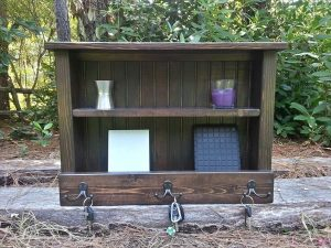 repurposed pallet key and mail organizer