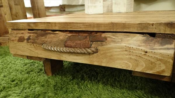 no-cost pallet rustic coffee table with 4 drawers