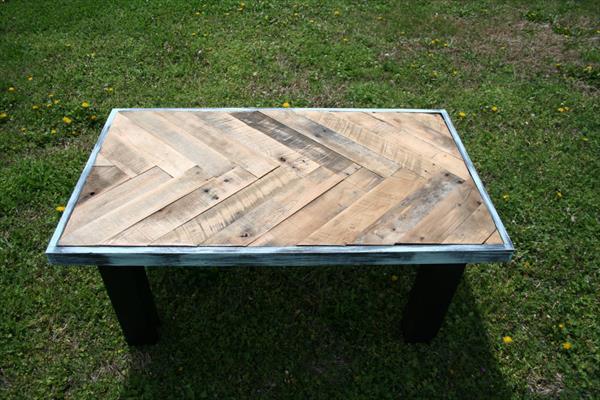 wooden pallet chevron coffee table