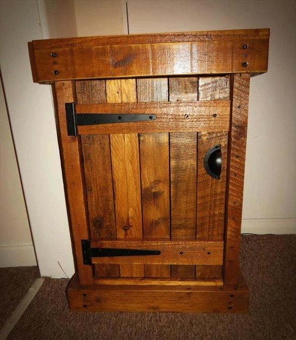 repurposed pallet nightstand and end table