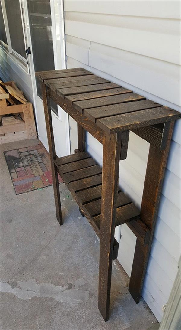 rustic yet modern pallet wall table