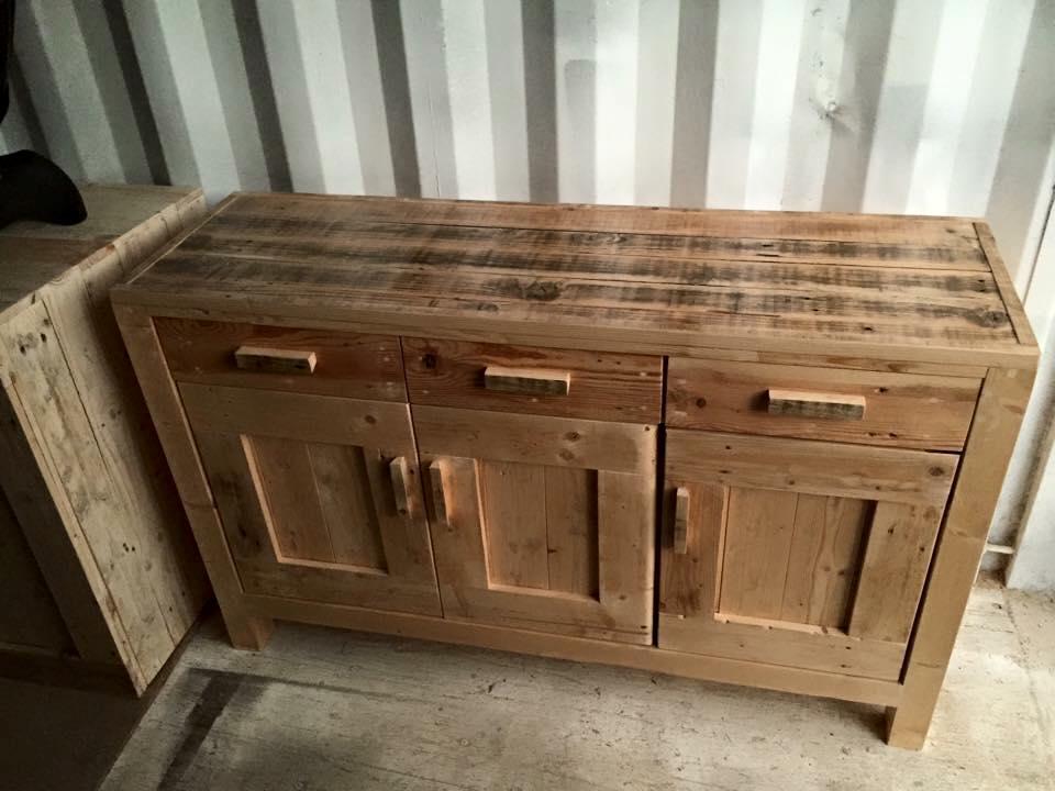 Rustic pallet cabinet unit
