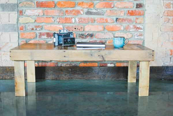 no-cost wooden pallet patio coffee table