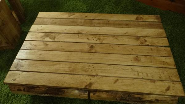 rustic 4 drawer pallet low coffee table