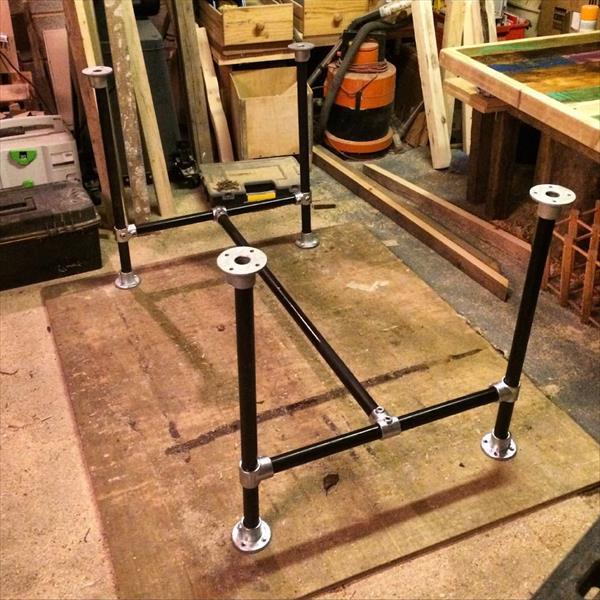metal pipe frame