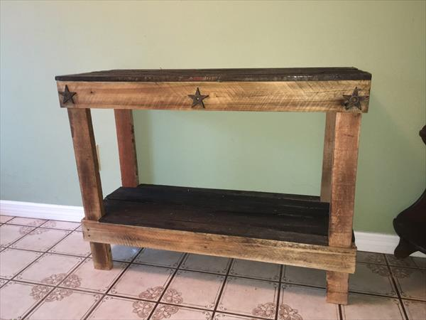 Pallet hallway entryway table pallet furniture plans for Sofa table made from pallets