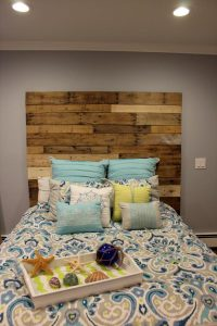 Wooden Pallet Headboard Design
