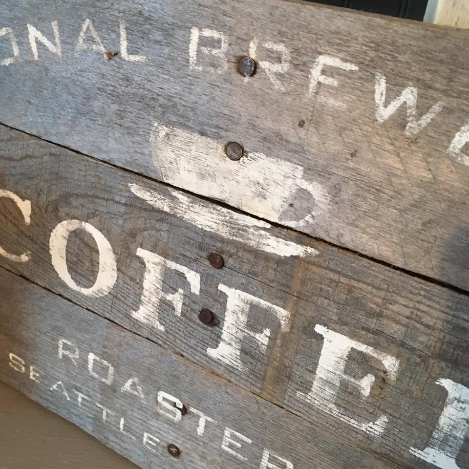 pallet coffee sign display plate