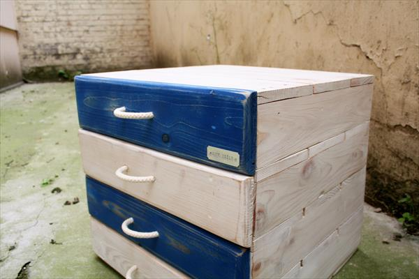 no-cost sturdy wooden pallet nightstand
