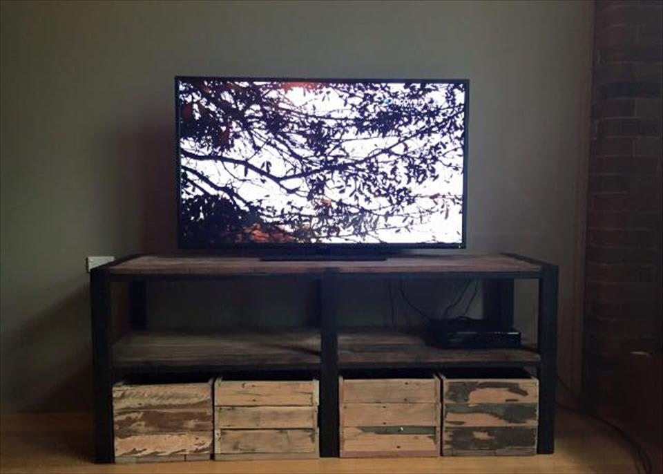 pallet t.v stand with storage crates