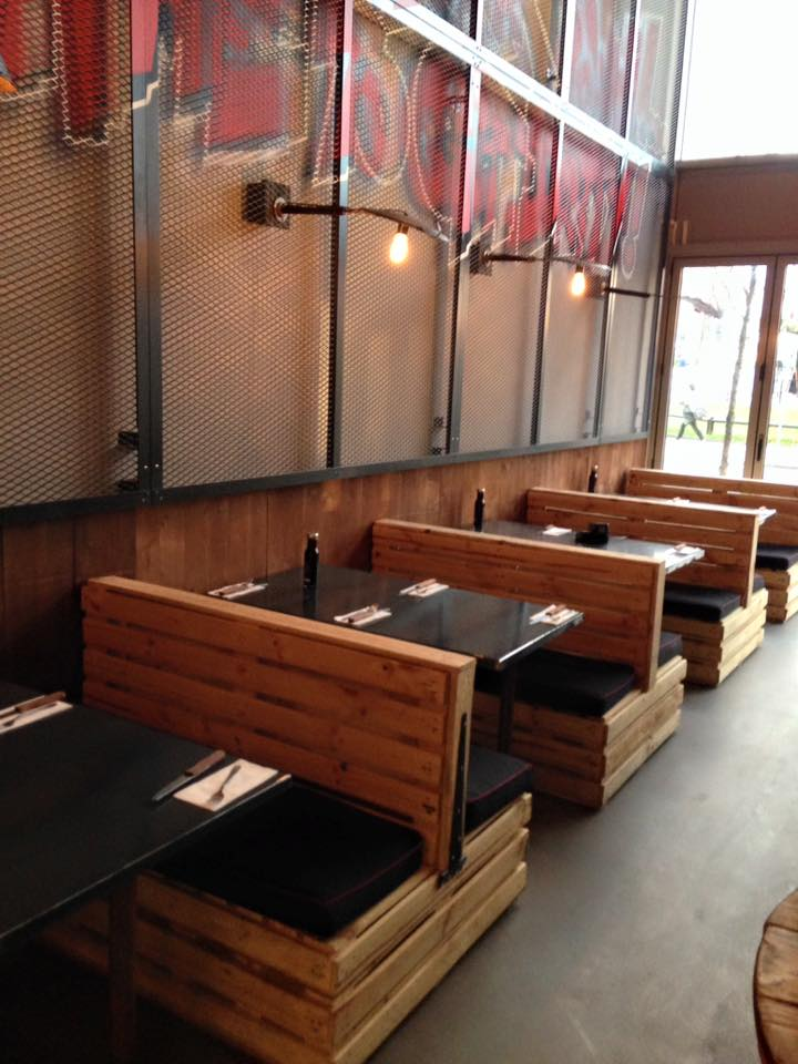 Pallet Seating Set For Restaurant Pallet Furniture Plans