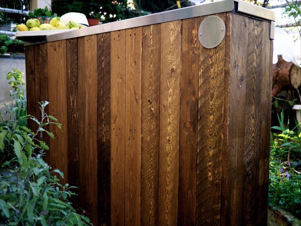 wooden pallet industrial bar