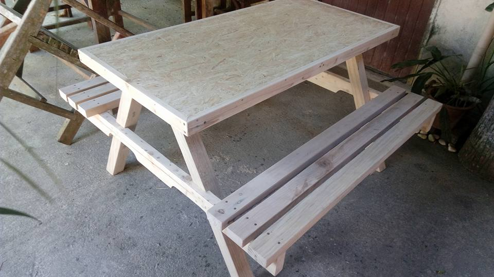 handmade wooden pallet picnic table