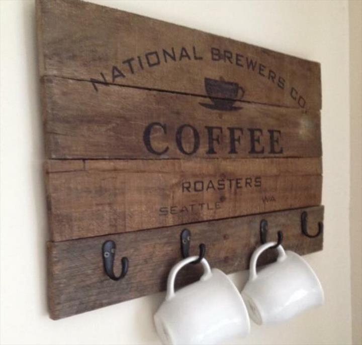 Pallet Coffee Cup Rack and Sign | Pallet Furniture Plans