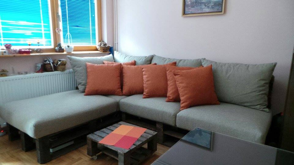 wooden pallet corner sofa for living