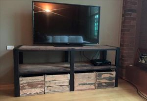wooden pallet t.v stand with storage crates