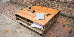 DIY Pallet Modern Coffee Table
