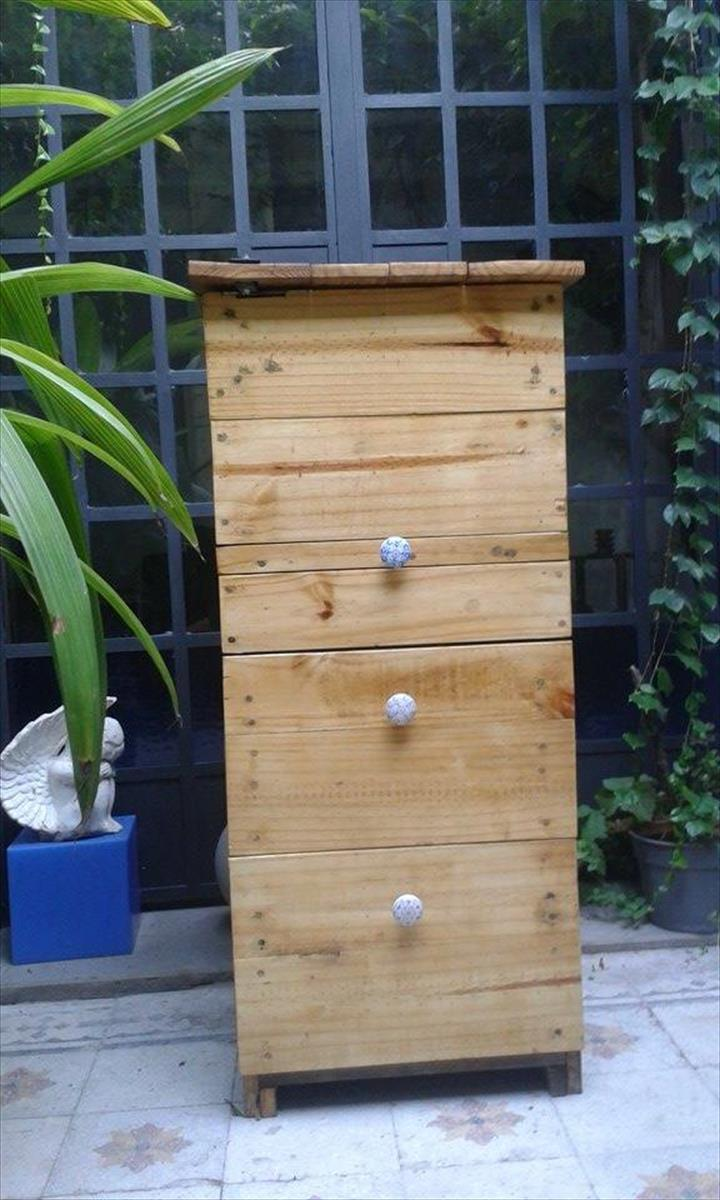 Recycled pallet compost