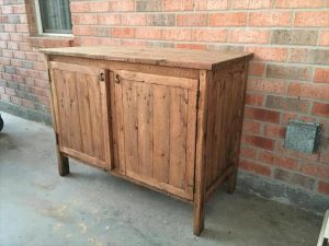 Wooden Kitchen Pallet Hutch