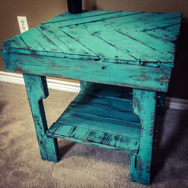 recycled pallet chevron end table