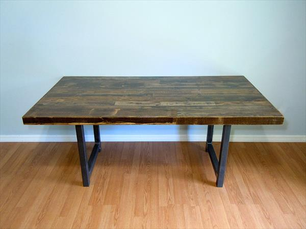 low-cost pallet and metal dining table