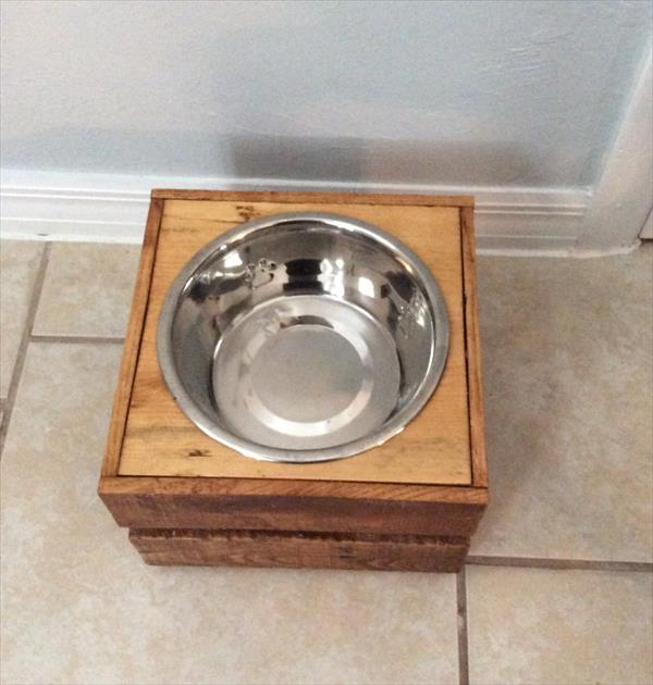 upcycled wooden pallet dog bowl