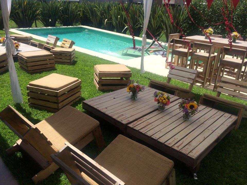 Wooden pallet garden seating