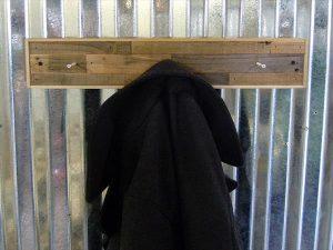 low-cost wooden pallet coat rack