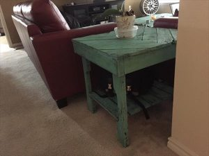 low-cost wooden pallet chevron end table