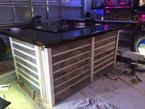 DIY Pallet Full Size Bar