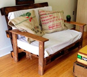 low-cost pallet couch