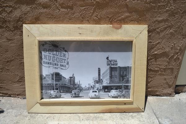 no-cost pallet photo frame