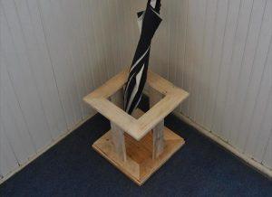 DIY Pallet Yoga Mat Stand