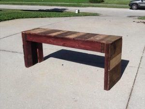 DIY Reclaimed Pallet Bench