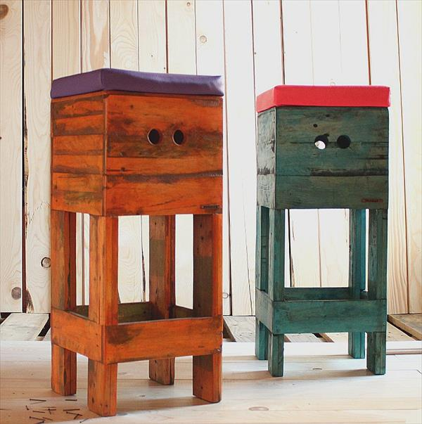 low-cost wooden pallet stools